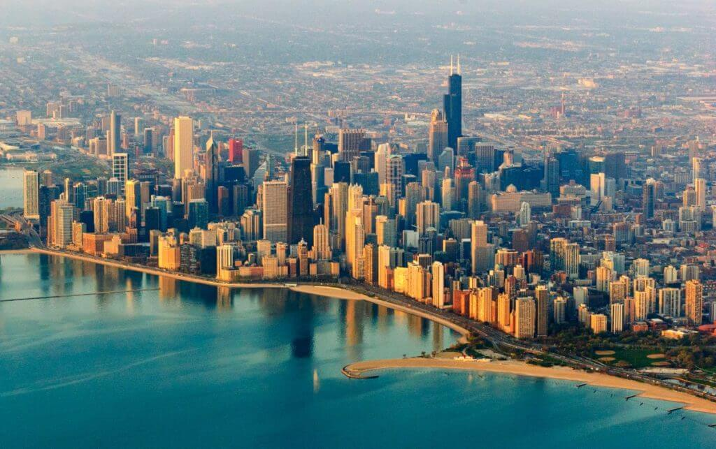 DropboxChooserAPI Chicago skyline Thinkstock e1497298056590